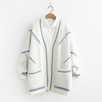 Long striped knitted cardigan sweat..