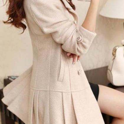 Elegant Double Breasted Beige Pleat..