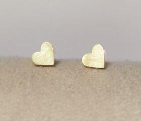 Gold Heart Shape Stu..