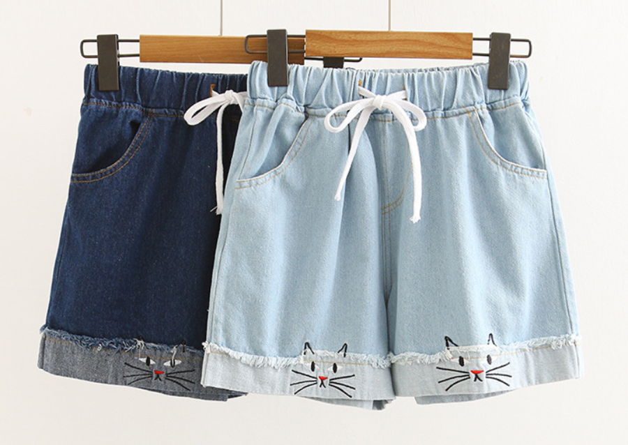 Cartoon cat embroidery shorts