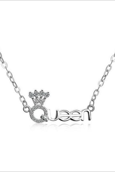 Crown & Queen necklace