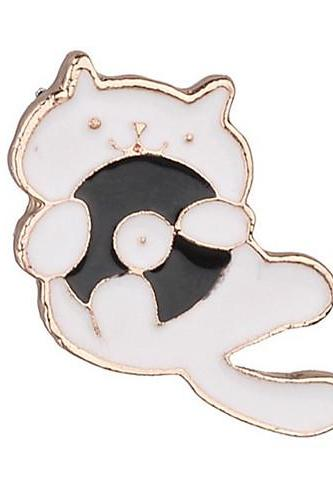 Special Material Alloy Crystal Solid Colored cute cat brooch pin