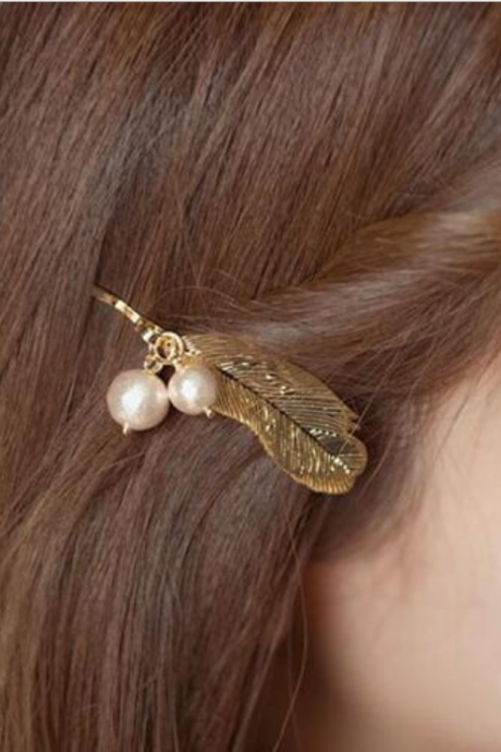 Retro Gold feather pearl hairpin