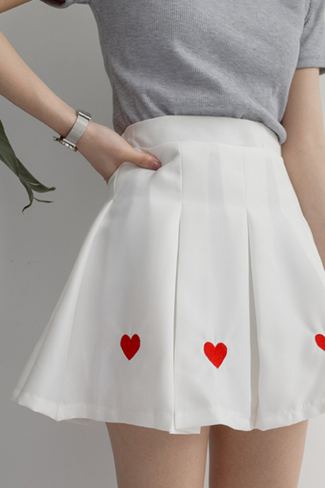 Sweet Heart Embroidery Pleated Skirts