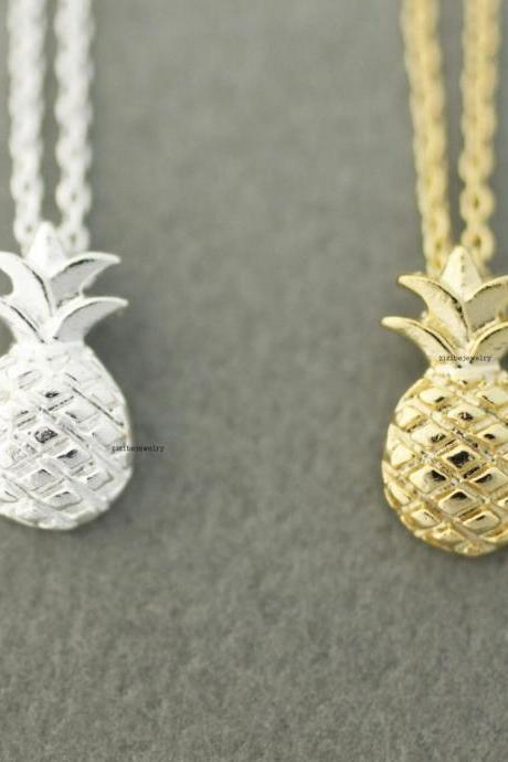 Cute Pineapple Pendant Necklaces In 2 Colors