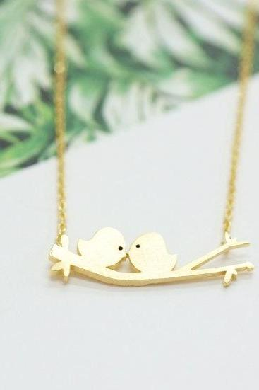 Two Birds On A Branch Necklace,Two Love Birds Couple For Mom Girlfriend Giftskissing Love Birds