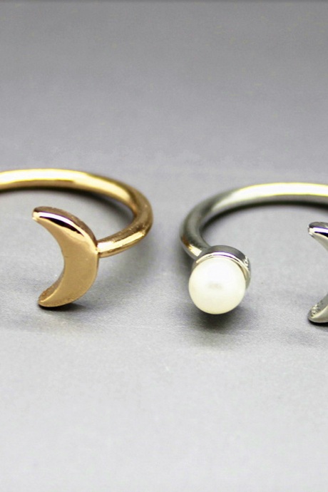 Moon Pearl ring