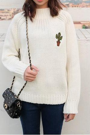 Knitted Turtleneck Pullover / Sweater with Cactus Embroidery - White / Pink