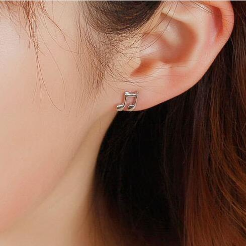Cute musical notation stud earrings