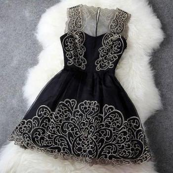 Black Lace and Organza A Line Short Bridesmaid Dress